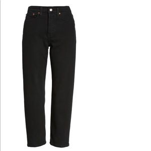 Levi's Wedgie Fit Jeans in Black Heart